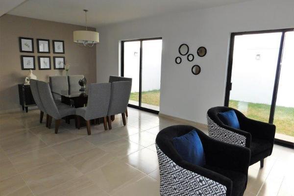 Foto de casa en venta en s/n , cerrada las palmas ii, torreón, coahuila de zaragoza, 9982110 No. 03