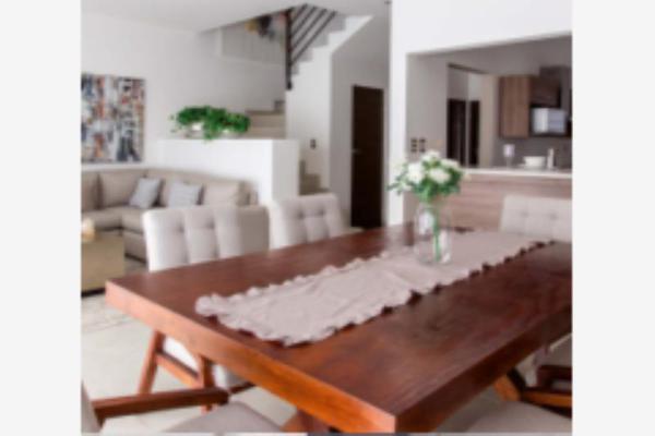 Foto de casa en venta en s/n , cerrada las palmas ii, torreón, coahuila de zaragoza, 9987975 No. 03