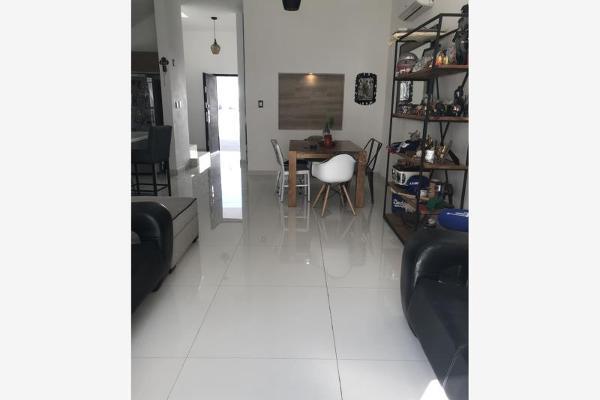 Foto de casa en venta en s/n , cerrada las palmas ii, torreón, coahuila de zaragoza, 9988739 No. 01