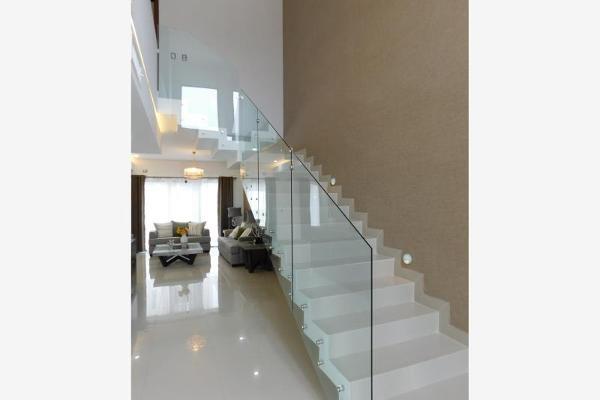 Foto de casa en venta en s/n , cerrada las palmas ii, torreón, coahuila de zaragoza, 9993646 No. 02