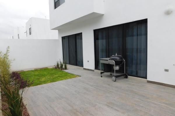 Foto de casa en venta en s/n , cerrada las palmas ii, torreón, coahuila de zaragoza, 9993646 No. 03