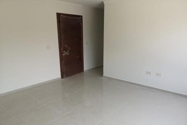Foto de casa en venta en s/n , cumbres residencial, durango, durango, 10212106 No. 02