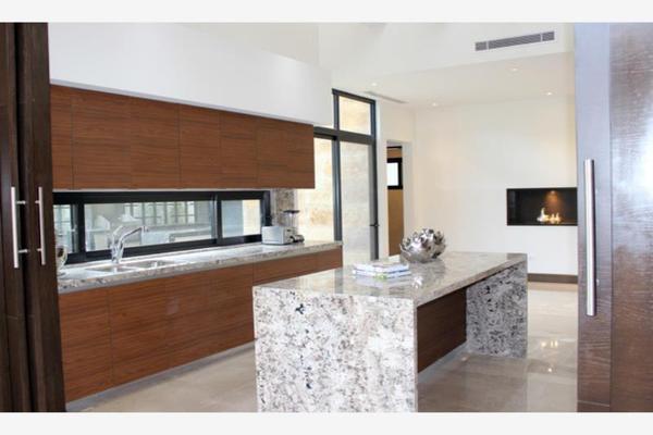 Foto de casa en venta en s/n , del valle, san pedro garza garcía, nuevo león, 9986916 No. 02