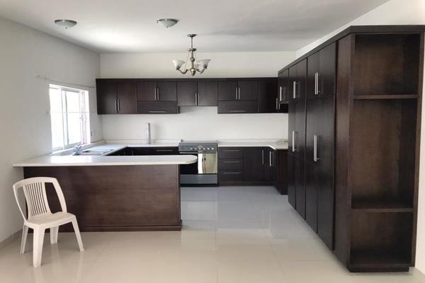 Foto de casa en venta en s/n , el bosque residencial, durango, durango, 9989900 No. 02
