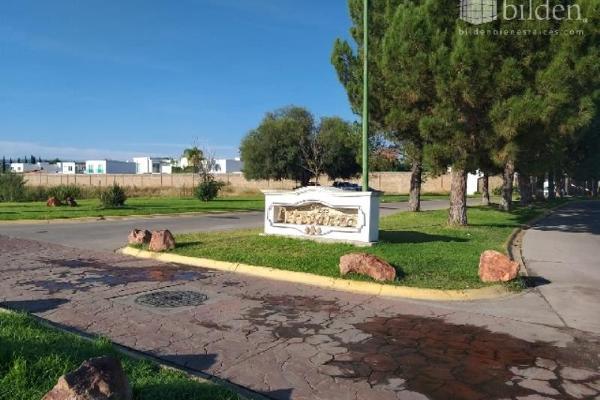 Foto de terreno habitacional en venta en s/n , fraccionamiento las quebradas, durango, durango, 9944990 No. 01