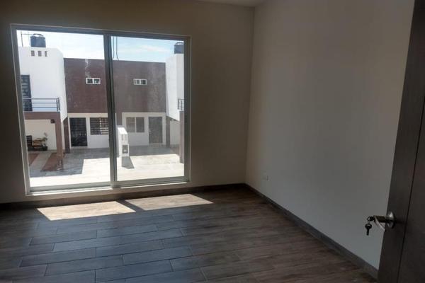 Foto de casa en venta en s/n , fraccionamiento san miguel de casa blanca, durango, durango, 10003838 No. 02