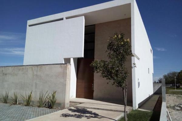 Foto de casa en venta en s/n , hacienda del refugio, saltillo, coahuila de zaragoza, 9988671 No. 02