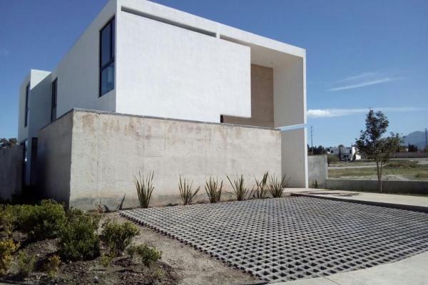 Foto de casa en venta en s/n , hacienda del refugio, saltillo, coahuila de zaragoza, 9988671 No. 03