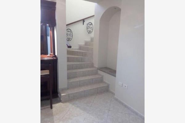 Foto de casa en venta en s/n , jardines de versalles, saltillo, coahuila de zaragoza, 9960507 No. 03