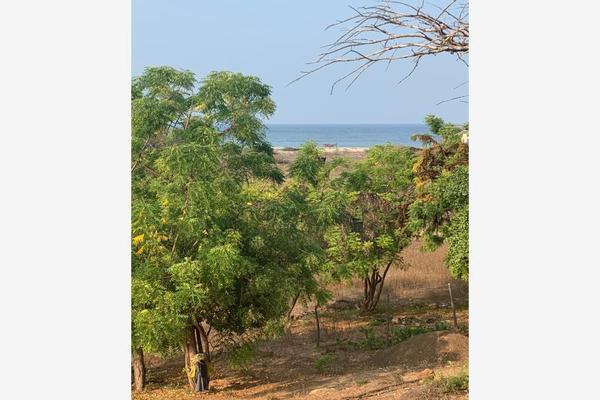 Foto de terreno habitacional en venta en s/n , la barra de colotepec, santa maría colotepec, oaxaca, 0 No. 01