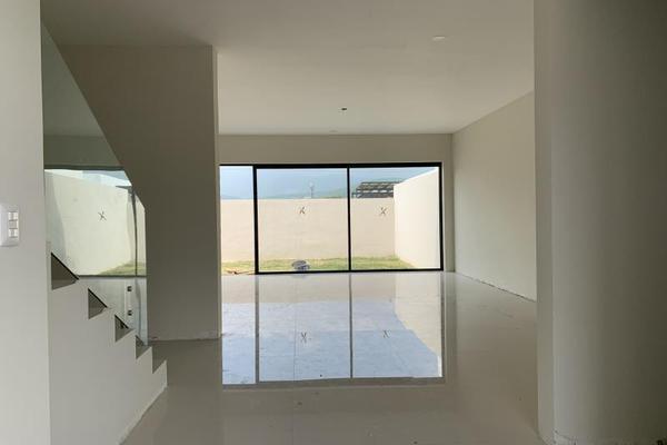 Foto de casa en venta en s/n , la joya privada residencial, monterrey, nuevo león, 9949098 No. 02