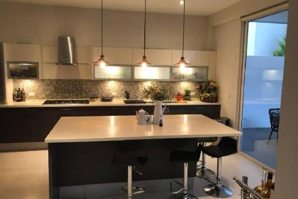 Foto de casa en venta en s/n , las privanzas, durango, durango, 9983897 No. 01