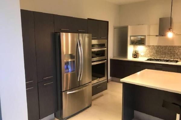 Foto de casa en venta en s/n , las privanzas, durango, durango, 9983897 No. 02