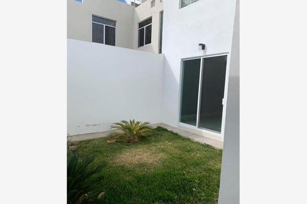 Foto de casa en venta en s/n , las quintas, durango, durango, 19140950 No. 01