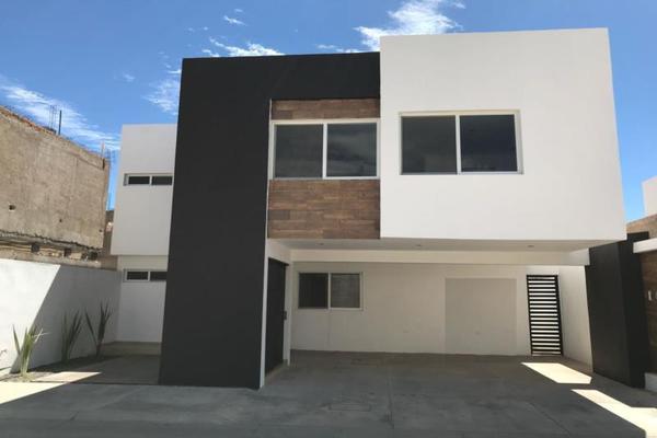 Foto de casa en venta en s/n , las quintas, durango, durango, 9988827 No. 01