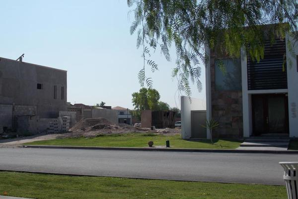 Foto de terreno habitacional en venta en s/n , las villas 7ma etapa, torreón, coahuila de zaragoza, 10150284 No. 01