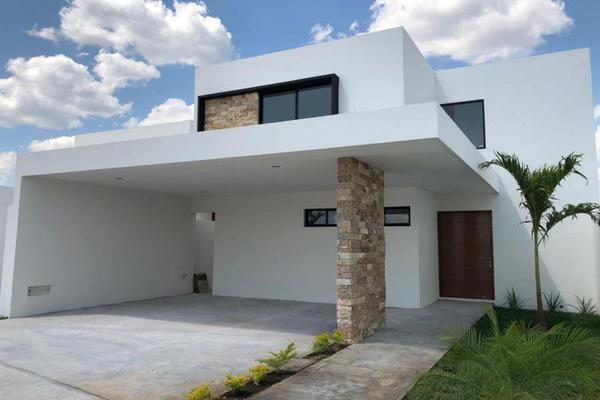 Foto de casa en venta en s/n , leandro valle, mérida, yucatán, 9990060 No. 01