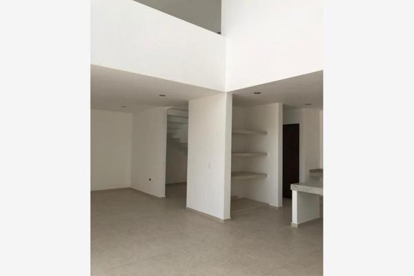 Foto de casa en venta en s/n , leandro valle, mérida, yucatán, 9990060 No. 02
