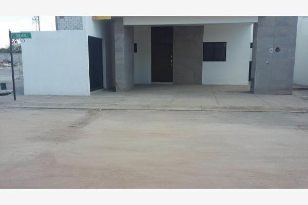 Foto de casa en venta en s/n , los arrayanes, gómez palacio, durango, 6122725 No. 02