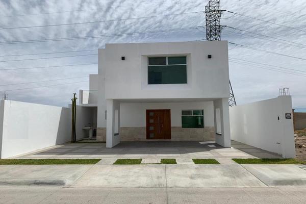 Foto de casa en venta en s/n , los cedros residencial, durango, durango, 10000989 No. 01