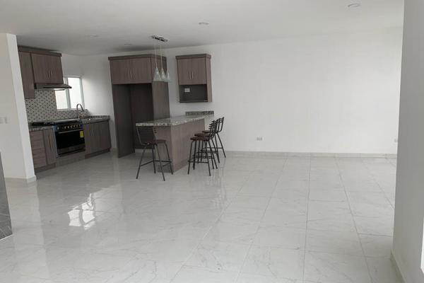 Foto de casa en venta en s/n , los cedros residencial, durango, durango, 10191345 No. 02