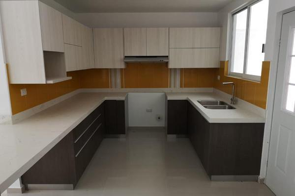 Foto de casa en venta en sn , los cedros residencial, durango, durango, 17615097 No. 02