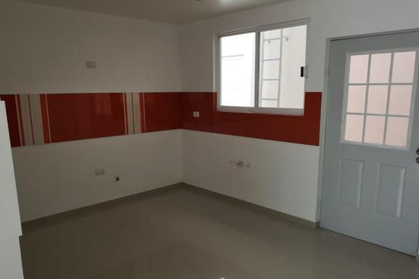 Foto de casa en venta en s/n , los cedros residencial, durango, durango, 9959287 No. 02