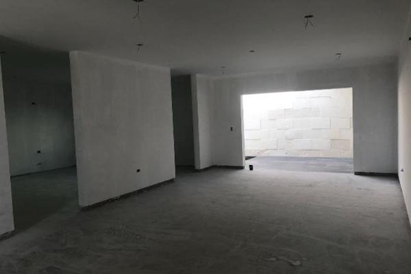 Foto de casa en venta en s/n , los cedros residencial, durango, durango, 9981609 No. 02