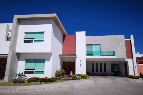 Foto de casa en venta en s/n , los cedros residencial, durango, durango, 9985990 No. 01