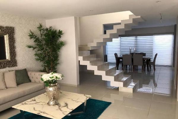 Foto de casa en venta en s/n , los cedros residencial, durango, durango, 9989199 No. 02