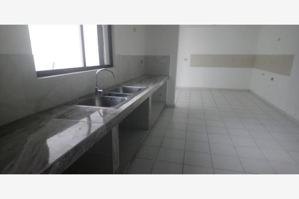 Foto de casa en venta en s/n , los portales, ramos arizpe, coahuila de zaragoza, 9974088 No. 02