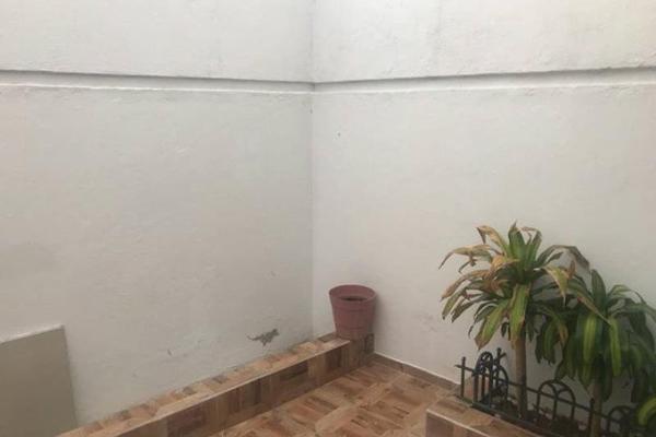 Foto de casa en venta en s/n , los remedios, durango, durango, 9989584 No. 02