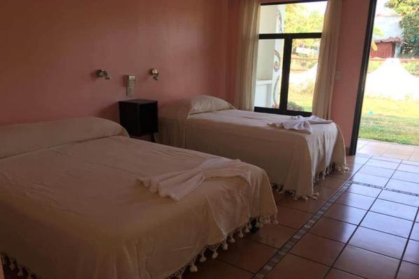 Foto de edificio en venta en sn , los tamarindos, santa maría colotepec, oaxaca, 0 No. 12