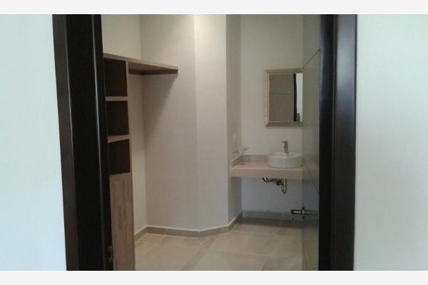 Foto de casa en venta en s/n , los vi?edos, torre?n, coahuila de zaragoza, 4678936 No. 02