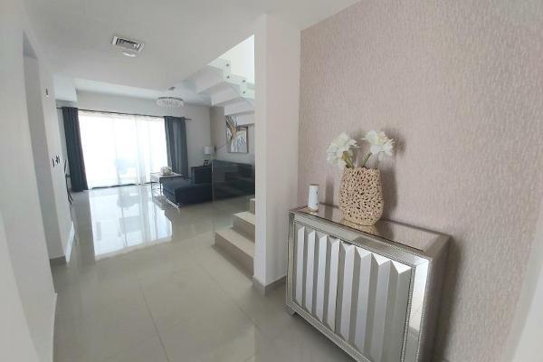 Foto de casa en venta en s/n , los viñedos, torreón, coahuila de zaragoza, 9968220 No. 02