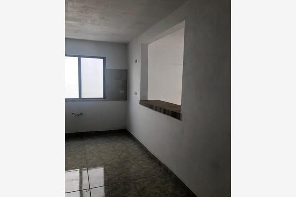 Foto de casa en venta en s/n , magisterio sección 38, saltillo, coahuila de zaragoza, 9994130 No. 02