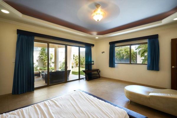 Foto de casa en venta en s/n , montebello, mérida, yucatán, 9977172 No. 03