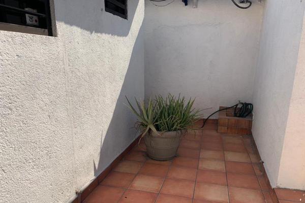Foto de oficina en venta en sn , monterrey centro, monterrey, nuevo león, 20114207 No. 02