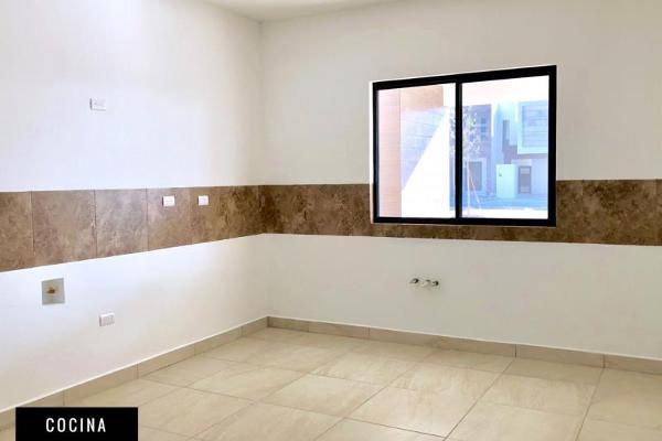 Foto de casa en venta en s/n , nogalar del campestre, saltillo, coahuila de zaragoza, 9949222 No. 01