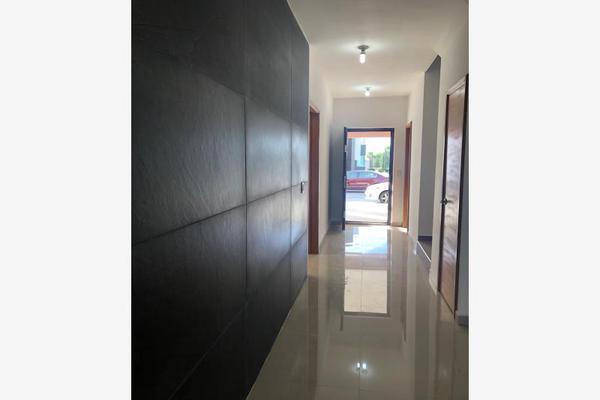 Foto de casa en venta en s/n , nogalar del campestre, saltillo, coahuila de zaragoza, 9960860 No. 06