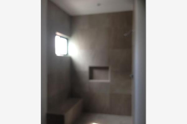 Foto de casa en venta en s/n , nogalar del campestre, saltillo, coahuila de zaragoza, 9962099 No. 02