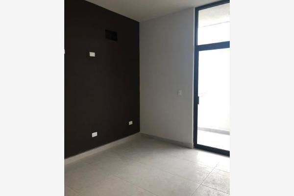 Foto de casa en venta en s/n , nogalar del campestre, saltillo, coahuila de zaragoza, 9970882 No. 02