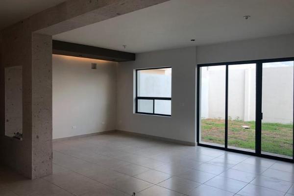 Foto de casa en venta en s/n , nogalar del campestre, saltillo, coahuila de zaragoza, 9970882 No. 09