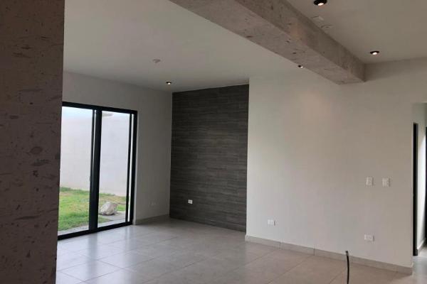 Foto de casa en venta en s/n , nogalar del campestre, saltillo, coahuila de zaragoza, 9970882 No. 17