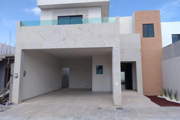 Foto de casa en venta en s/n , nogalar del campestre, saltillo, coahuila de zaragoza, 9977793 No. 01