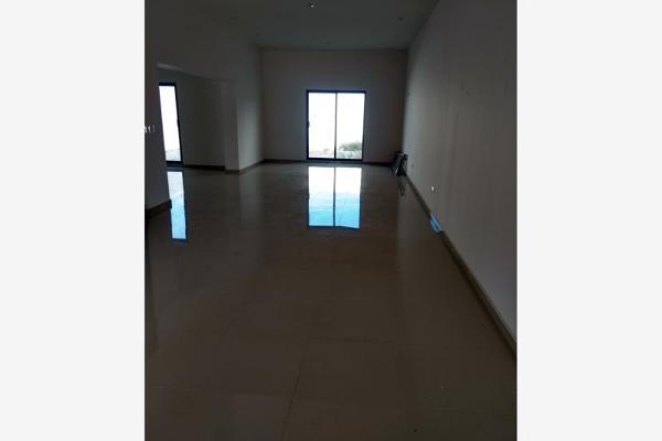 Foto de casa en venta en s/n , nogalar del campestre, saltillo, coahuila de zaragoza, 9977793 No. 03