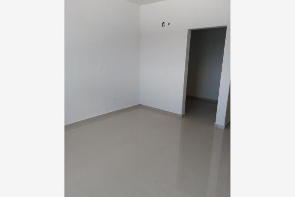 Foto de casa en venta en s/n , nogalar del campestre, saltillo, coahuila de zaragoza, 9977793 No. 04