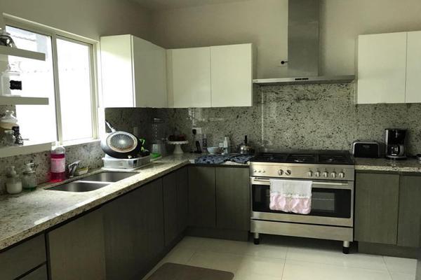 Foto de casa en venta en s/n , puerta de hierro cumbres, monterrey, nuevo león, 9953395 No. 02