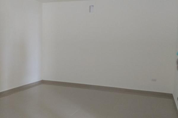 Foto de casa en venta en s/n , puerta de hierro cumbres, monterrey, nuevo león, 9978688 No. 02