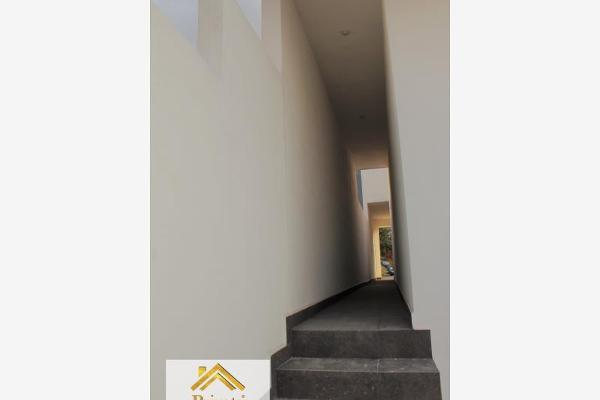 Foto de casa en venta en s/n , puerta de hierro cumbres, monterrey, nuevo león, 9990072 No. 02
